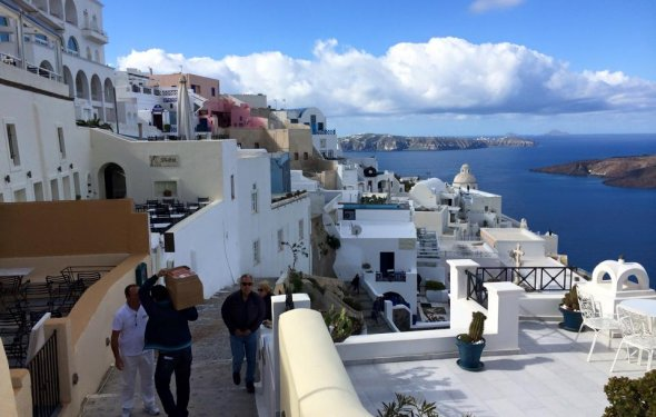 5 Tips for Visiting Santorini