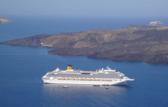 Cruise Ship, Santorini