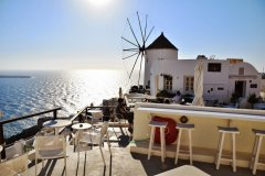 Oia 4 SANTORINI,  GREECE: BEST SUNSET SPOTS