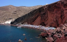 One of the best beaches on Santorini: Red Beach